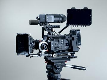 Rent: Sony FS7 / Odyssey 7Q+ / Tripod / MB / FF